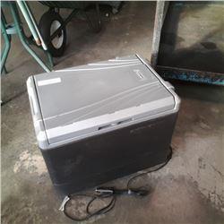 COLEMAN MODEL 564  12V COOLER