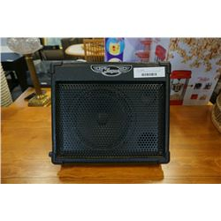 TRAYNOR TVM10 BATTERY POWERED AMP