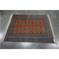 WOVEN FRINGED AREA CARPET - APPROX 51 x 65 INCHES