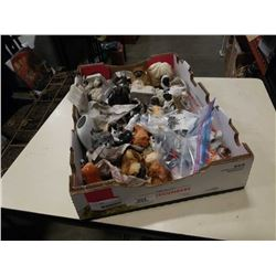 TRAY OF COLLECTABLE DOG FIGURES