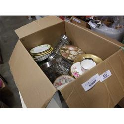 BOX OF BRASS AND OTHER COLLECTABLES