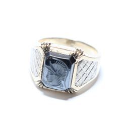 Men's 10K Yellow Gold Cameo Onyx Ring with Textured Band- Size 9 3/4.  Total weight of 9.61 grams.