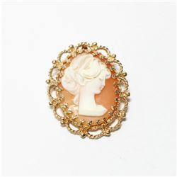 """Antique 14K Yellow Gold Cameo Pendant/Brooch.  Measures 1 1/4"""" long by 1"""" Wide with a total weight o"""