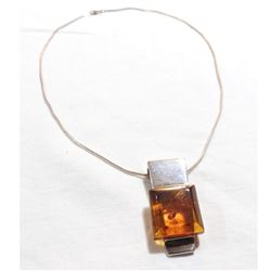 """Lady's Vintage Sterling Silver Amber Statement Pendant on 17"""" Rope Chain."""