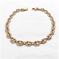 """Lady's 10K Yellow Gold Gucci-link Bracelet. Measures 7  1/4"""" in length with a total weight of 4.57 g"""