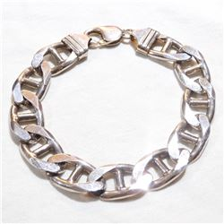 Large Sterling Silver 9mm Mariner Link Bracelet with lobster clasp.  Total weight of 51grams.