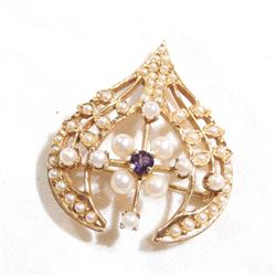 Vintage 14K Yellow Gold Amethyst & Pearl Pendant/Brooch.  Total weight of 5.8 grams.