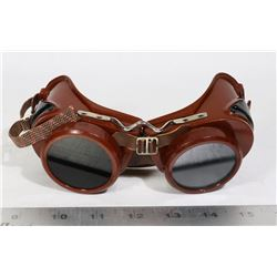 VINTAGE WELDING GOGGLES- MADE IN THE USA- TYPE