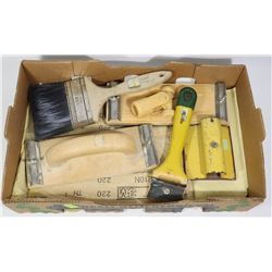 FLAT OF ASSORTED SANDING TOOLS AND SOME