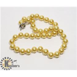 #139-SEA SHELL PEARL NECKLACE 10mm/ 17""