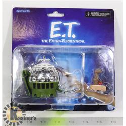 ET SPACE SHIP WITH ET FIGURE COLLECTIBLE