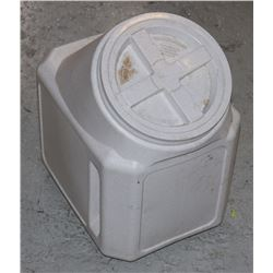 LARGE CONTAINER WITH LID