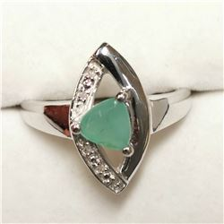 RHODIUM PLATED ST.SILVER EMERALD(0.6CT) RING