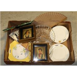 FLAT OF ESTATE COLLECTIBLES INCLUDING GLASSWARE,