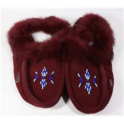 LADIES MOCCASINS SIZE 10