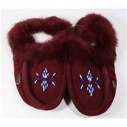LADIES MOCCASINS SIZE 9