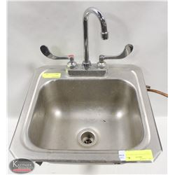 """STAINLESS STEEL HAND SINK 15"""" X 15"""" X 6"""""""