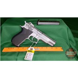 HANDGUN (R): Smith & Wesson 4506 Semi-Auto 45 Auto (2 Magazines) S/N#TCF7823
