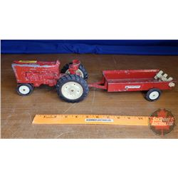 Farm Toy IH Tractor & Manure Spreader (Scale 1:16)