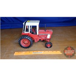 Farm Toy IH 1586 Tractor (Scale 1:16)