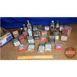 Box Lot: Spice Tins & Extracts