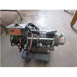 8000 LB Warn Winch on Plate with Hitch Mount