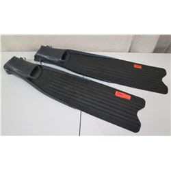Qty 2 Hammer Head Long Dive Fins