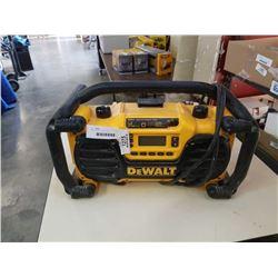 DEWALT DC012 SHOP RADIO