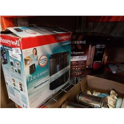Keurig coffee maker and humidifier