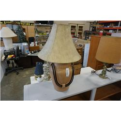 CERAMIC TABLE LAMP WITH ROPE ACCENTS