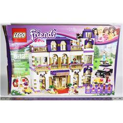 LEGO FRIENDS HEARTLAKE GROUND