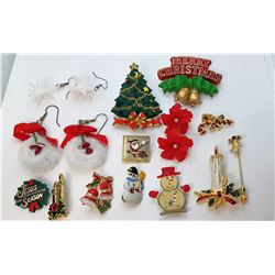 17)  LOT OF 14 CHRISTMAS THEMED JEWELRY