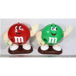 M & M'S 2 X WAVING