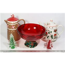 BOX OF CHRISTMAS ESTATE TABLE WARES
