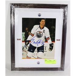 AUTOGRAPHED NHL PICTURE