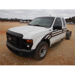 2008 FORD F250 Cab and Chassis Truck