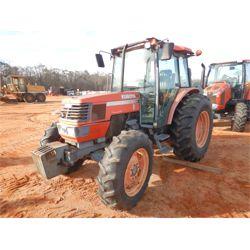 2005 KUBOTA M9000D Farm Tractor