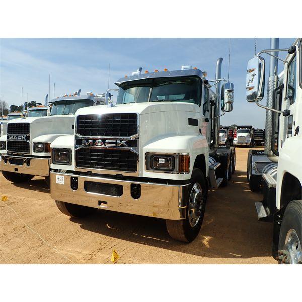 2020 MACK PI64T Day Cab Truck