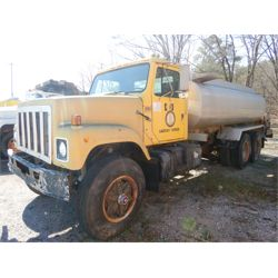 1987 INTERNATIONAL F-2574 Water Truck