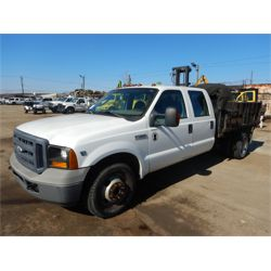2006 FORD F350 Flatbed Truck