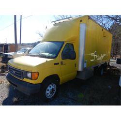 2003 FORD E450 Cargo Van