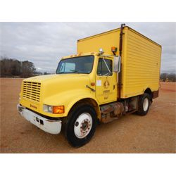 1990 INTERNATIONAL 4700 Fuel / Lube Truck