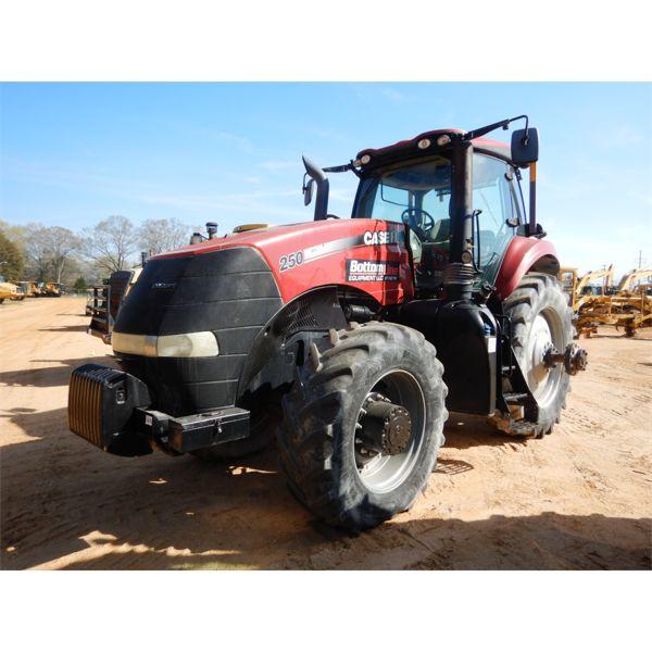 2015 CASE MAGNUM 250 Farm Tractor