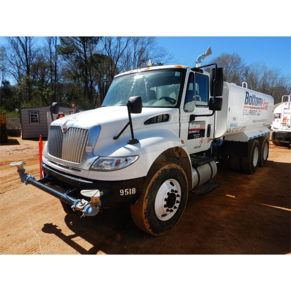 2012 INTERNATIONAL DURASTAR 4400 Water Truck