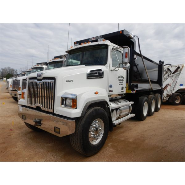 2020 WESTERN STAR 4700SF Dump Truck
