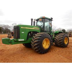 2002 JOHN DEERE 9520 Scraper Tractor