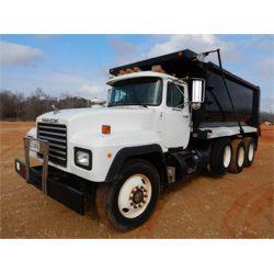 1996 MACK RD688S Dump Truck