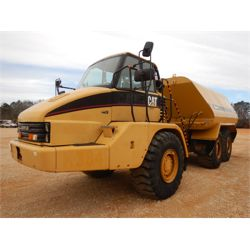 2006 CAT 725 Water Wagon