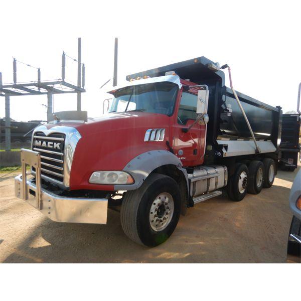 2015 MACK GU813 Dump Truck