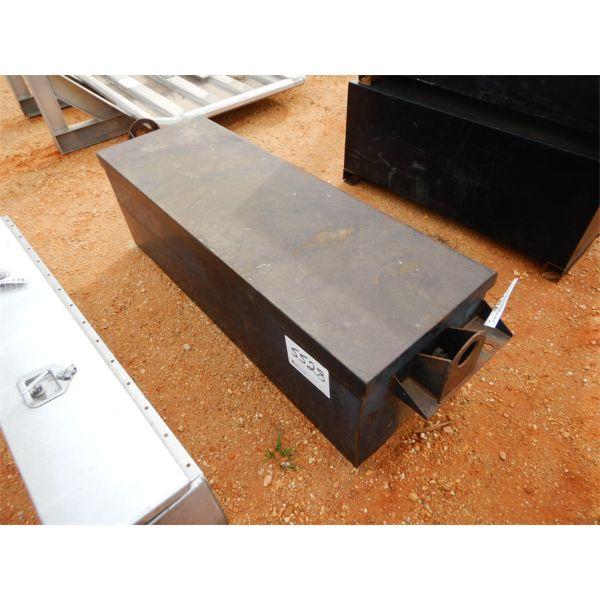 (1) steel storage box